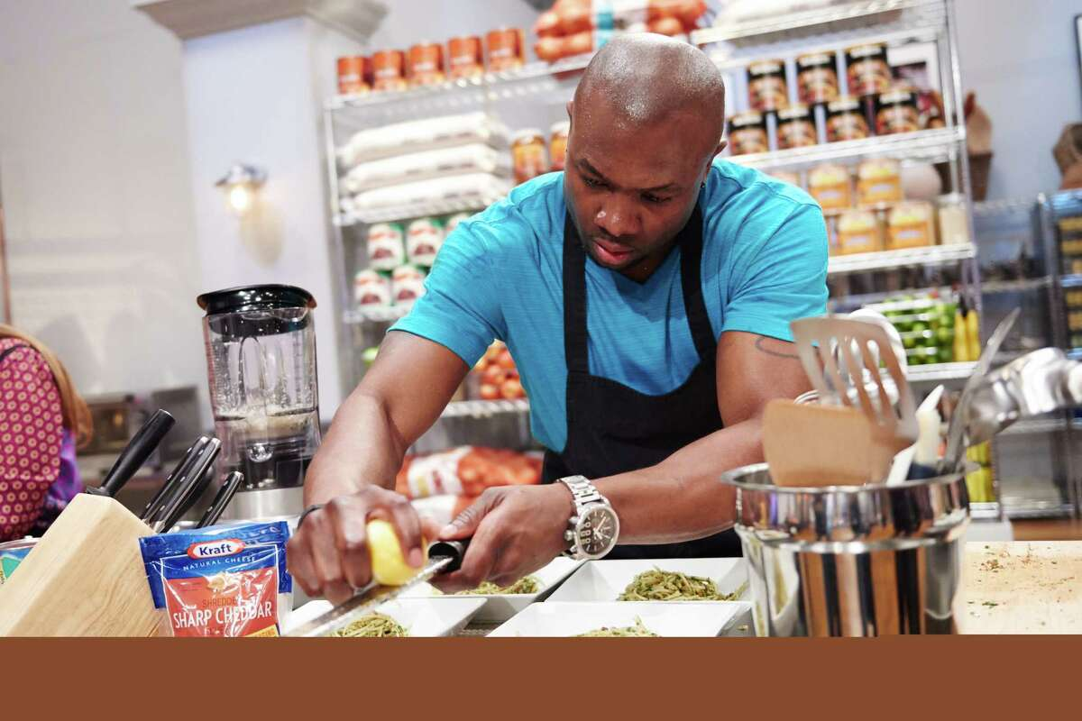 Houston personal trainer and food truck owner Eddie Jackson is the winner of Season 11 of Food Network Star. Finalist Eddie Jackson preparing his dish, Bacon Pasta Pesto, with Kraft Sharp Cheddar for the Mentor Challenge, Kraft Pantry, as seen on Food Network Star, Season 11.