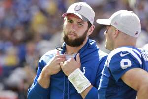 Colts QB Matt Hasselbeck starting against Texans in place of Andrew Luck - Photo