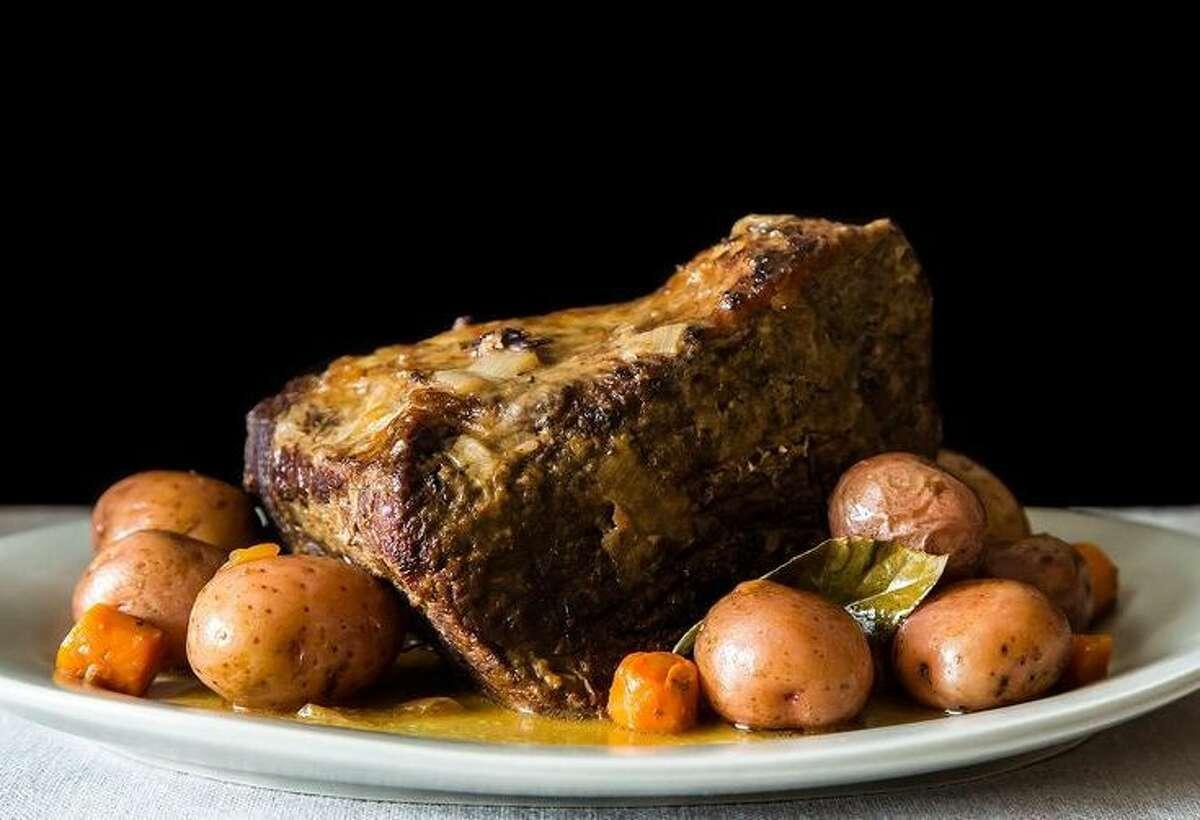 Pot Roast: Homemade, 9 ounces (3 servings): 573 calories