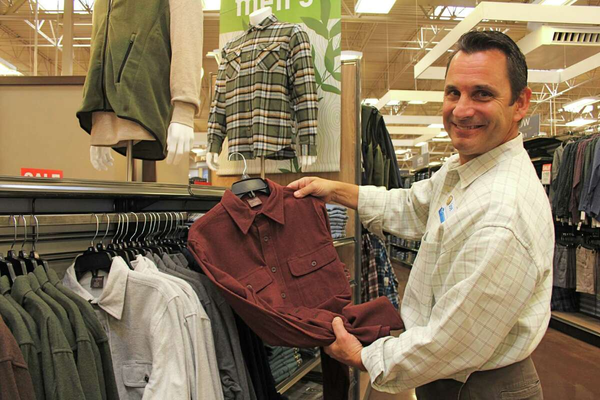 Clothes: $17.59 If you were to divide up the $125.92 average spent by category, this is how much the typical American would spend on clothes for Father's Day.