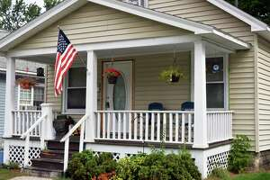 Starter homes - Photo