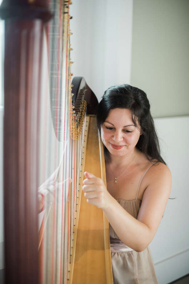Harpist Lily Press performs professionally in orchestras, chamber ensembles, solo recitals, and for special events. Photo: Sarah Box Of Sarah Box Photography / Copyright © 2015 Sarah Box Photography Inc.