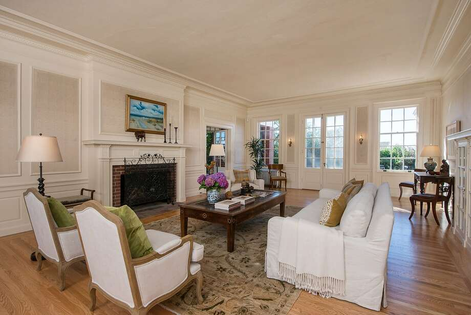 The seven-bedroom Berkeley home is available for $2.95 million. Photo: Thomas Grubba/Thomas Grubba Phot