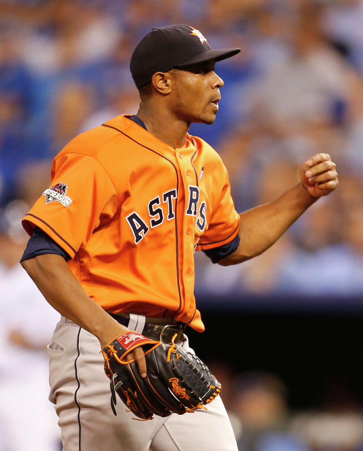 Houston Astros' Tony Sipp on the mound during the seventh inning of Game One of the American League Division Series at Kauffman Stadium on Thursday, Oct. 8, 2015, in Kansas City. ( Karen Warren / Houston Chronicle )