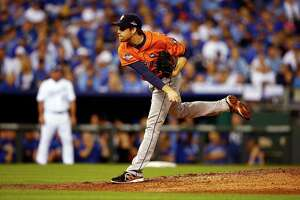 Astros top Royals in opener - Photo
