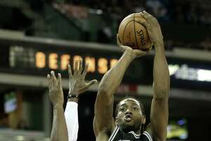Spurs fall in Aldridge's debut - Photo