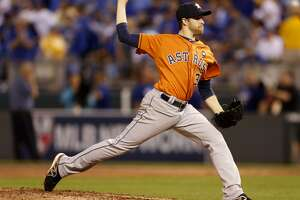 McHugh makes it through delay, delivers big win for Astros - Photo