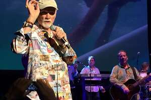 Beach Boys have fun, fun fun at Majestic - Photo