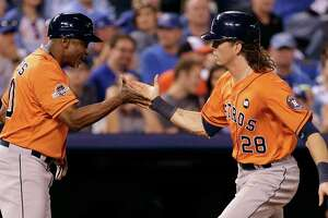 Astros strike first against AL champion Royals - Photo