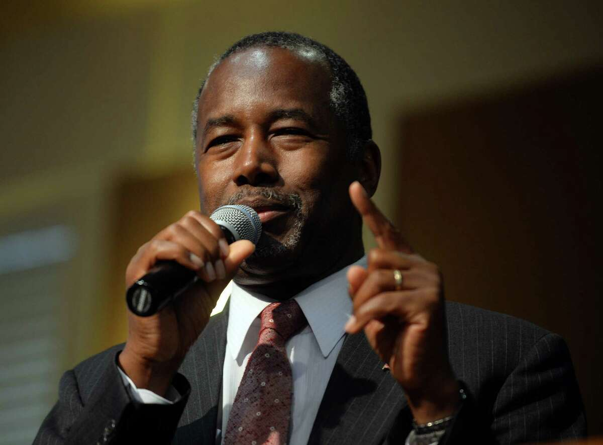 EXETER, NH - SEPTEMBER 30: Republican presidential candidate Ben Carson speaks during a town hall event at River Woods September 30, 2015 in Exeter, New Hampshire. Carson has risen in the most recent polls to pull almost even with front runner Donald Trump. (Photo by Darren McCollester/Getty Images) ***BESTPIX*** ORG XMIT: 580849465