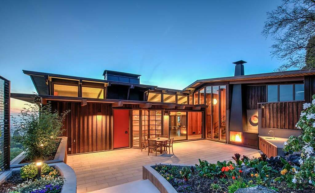 The renovated midcentury home in the Berkeley Hills boasts stunning views. Studio Bergtraun worked with & Midcentury Berkeley home reborn - San Francisco Chronicle azcodes.com