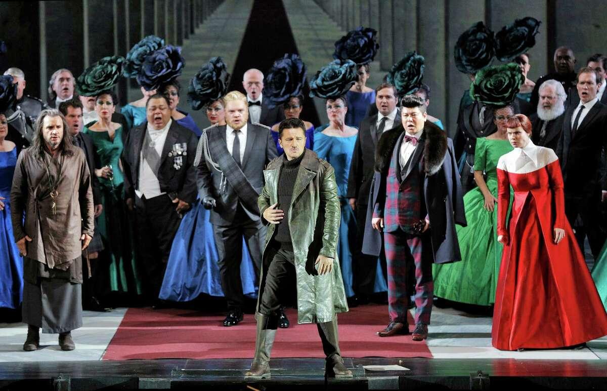 """Nicolas Testé (Raimondo), Brian Mulligan (Enrico), Piotr Beczala (Edgardo), Chong Wang (Arturo) and Zanda Svede (Alisa) in """"Lucia di Lammermoor."""""""