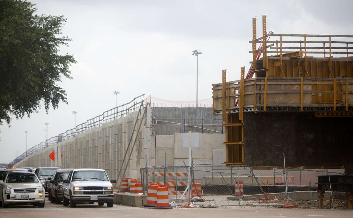 Work continues to widen U.S. 290 from Loop 610 to Waller.