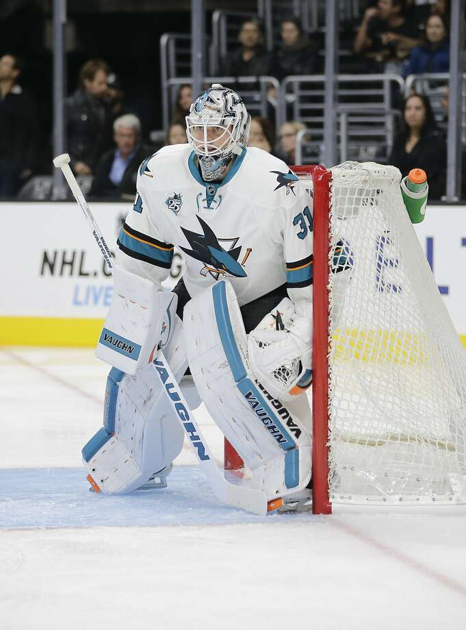 San Jose Sharks goalie Martin Jones stopped the final 19 Los Angeles shots to beat the Kings 5-1 on Wednesday. Photo: Jae C. Hong, Associated Press