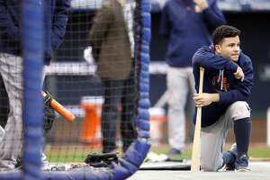Live: Astros face Royals in Game 2 of ALDS - Photo
