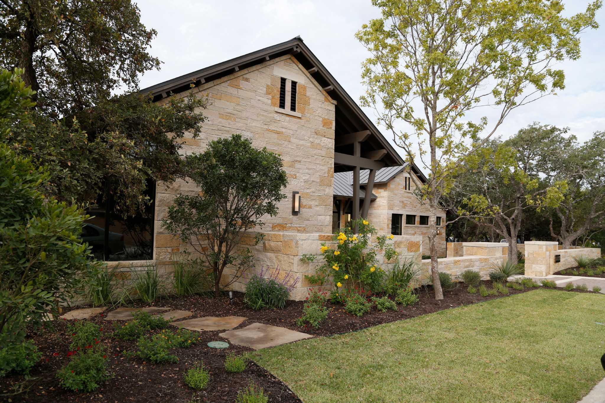 Parade of Homes brings comfy to contemporary - San Antonio Express-News