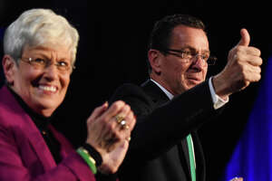 Democrats ask court to kill campaign-finance investigation - Photo