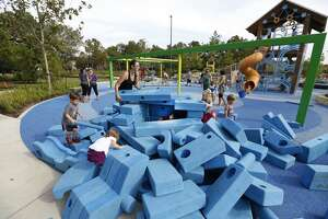 Photos: Suburban playground gets revamp (w/video) - Photo