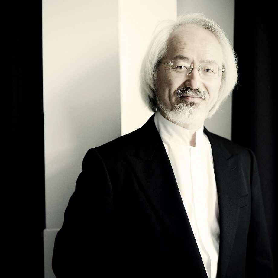 Masaaki Suzuki conducts the Bach Collegium Japan. Photo: Marco Borggreve