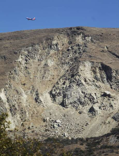 The remains of a 1998 landslide during the rains from that year's El Nino is still visible today in Fremont. Photo: Lea Suzuki, The Chronicle