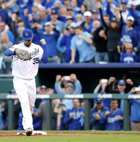 With the final out of Game 2 recorded, Royals first baseman Eric Hosmer lets it be known a win is in hand. Photo: Karen Warren, Staff / © 2015 Houston Chronicle