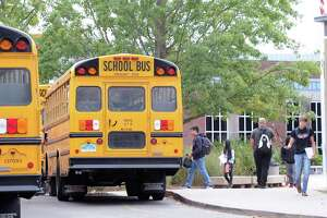 Starting school later could cost millions in additional buses - Photo