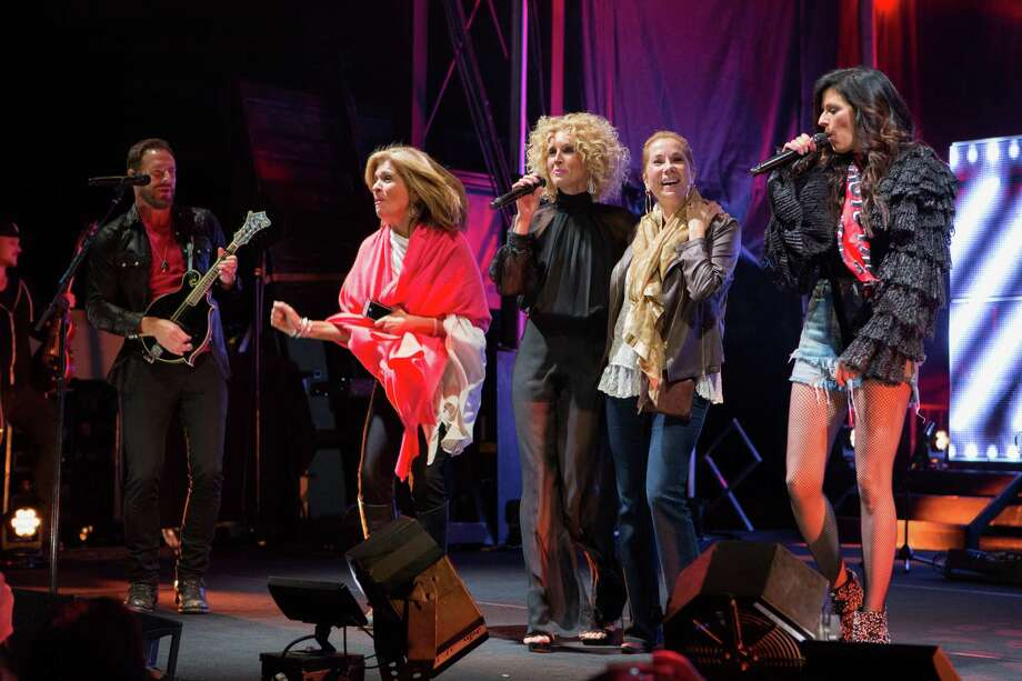 Hoda Kotb and Kathie Lee Gifford having a ball on stage with Little Big Town at The Greenwich Wine and Food Festival. Photo: Sara Luckey / ©2015 Sara Luckey Studio ALL R / ©2015 Sara Luckey Studio  ALL RIGHTS RESERVED