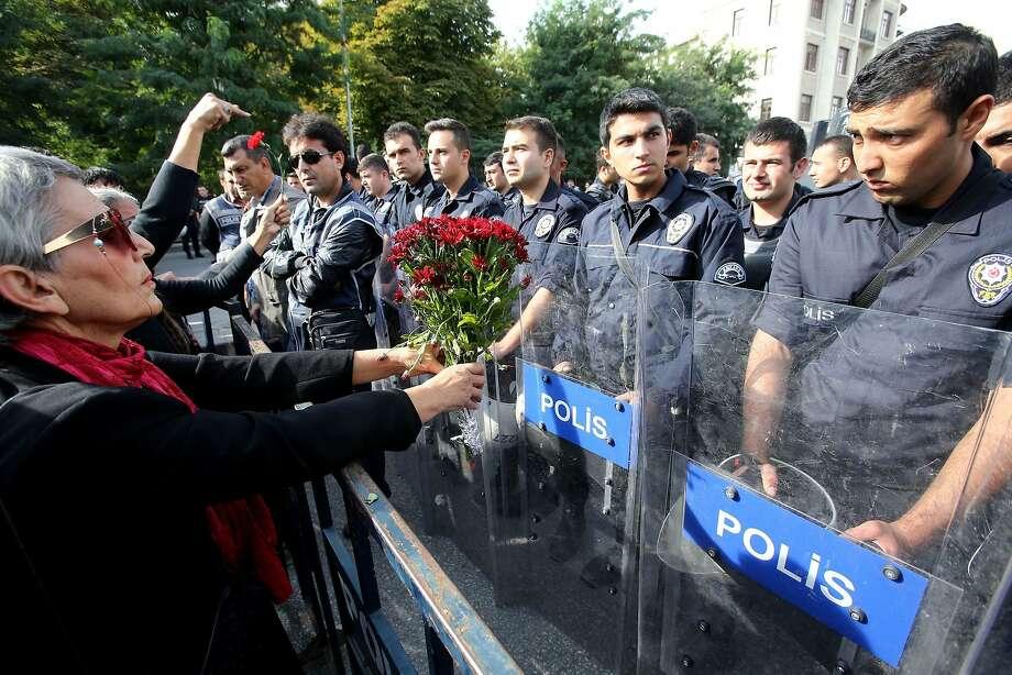 WORLD – Turkey mourns blast victims