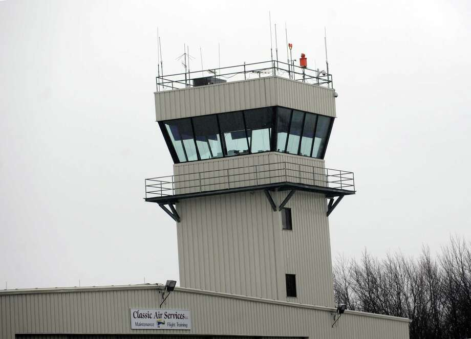 The air traffic control tower at Waterbury-Oxford Airport in Oxford, Conn.  Photo: Autumn Driscoll / Autumn Driscoll / Connecticut Post