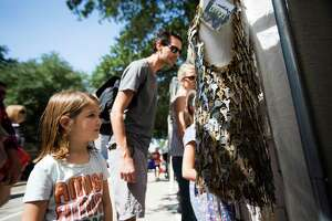 Thousands flock to Bayou City Art Festival - Photo