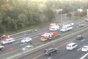 Three-vehicle crash closes two I-95 lanes - Photo