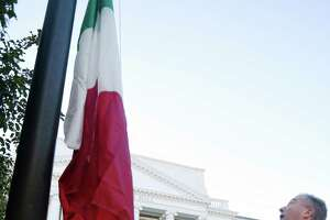 Greenwich Italians fly their flag on Columbus Day - Photo