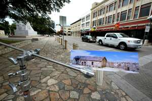 Let the talks on Alamo Plaza begin - Photo