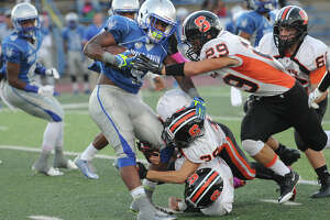 Gaels blow past West Haven - Photo