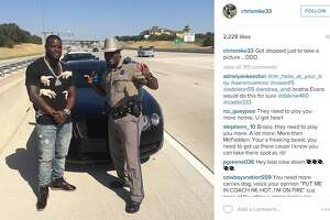Texas trooper in hot water after photo with Cowboys RB - Photo