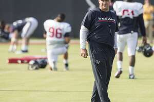 Texans energized by full-padded practice - Photo