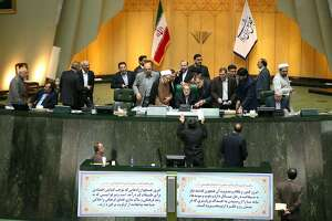 Iran's parliament backs details of nuclear deal - Photo
