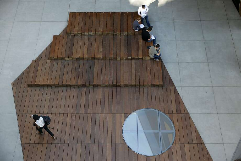 Students gather in the courtyard, a central feature of the McMurtry Building for the department of art and art history in Stanford. Photo: Paul Chinn, The Chronicle
