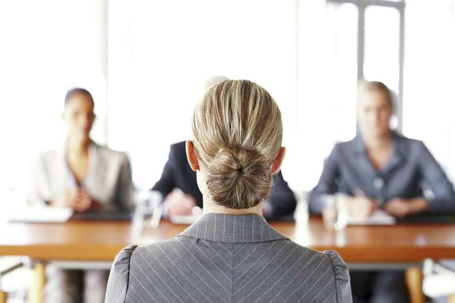Businesswoman Getting Interviewed Photo: Neustockimages, Getty Images / (c) Neustockimages