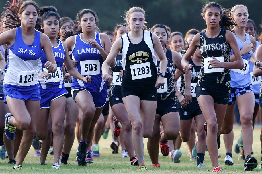 East Central's Julie Kosub (1283) leaves the starting line of the Varsity girls 3-mile run in the Southwest ISD Invitational cross country meet at Southwest High School on Saturday, Aug. 29, 2015.  Kosub finished third in the event with a time of 19 minutes, 0.55 seconds.  MARVIN PFEIFFER/ mpfeiffer@express-news.net Photo: Marvin Pfeiffer, San Antonio Express-News / Express-News 2015