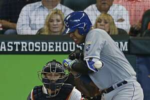 Royals catcher Salvador Perez believes he will be ready for Game 5 - Photo