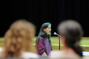Forum speakers call for later start times at GHS - Photo