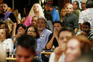 Clinton supporters cheer her debate performance - Photo