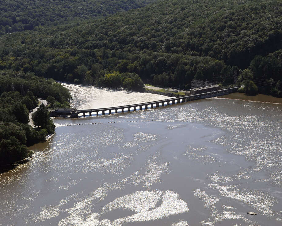 Water from the Housatonic River is seen flowing toward Stevenson Dam between Oxford and Monroe. Photo: Jessica Hill / Associated Press / AP2011