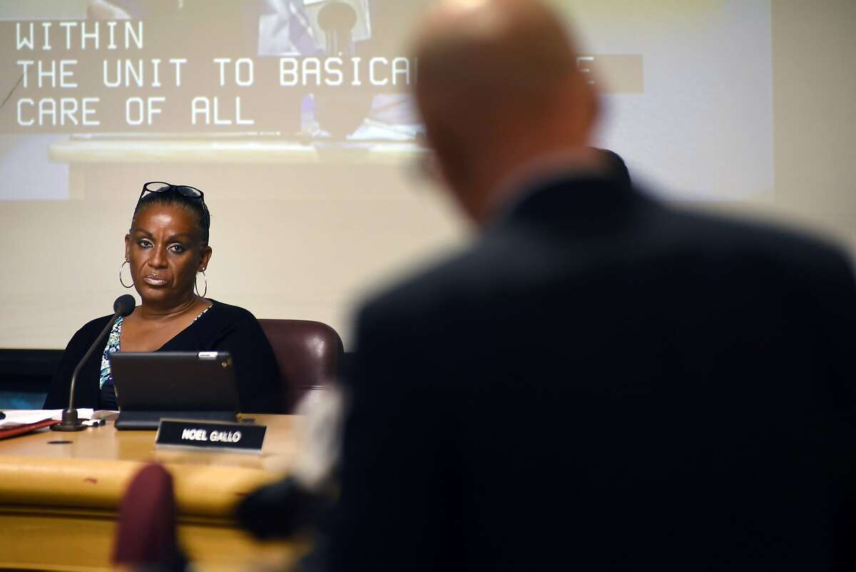 Council chairperson Desley Brooks listens to public comments during an Oakland City Council public city committee meeting at City Hall in Oakland on Friday, October 16, 2015.