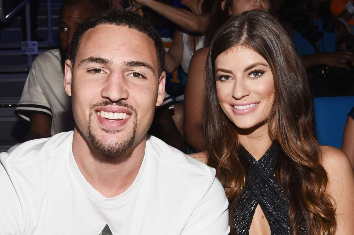 NBA player Klay Thompson (L) and Hannah Stocking attend the Nickelodeon Kids' Choice Sports Awards 2015 at UCLA's Pauley Pavilion on July 16, 2015 in Westwood, California. (Photo by Michael Buckner/KCSports2015/Getty Images For KCSports2015)