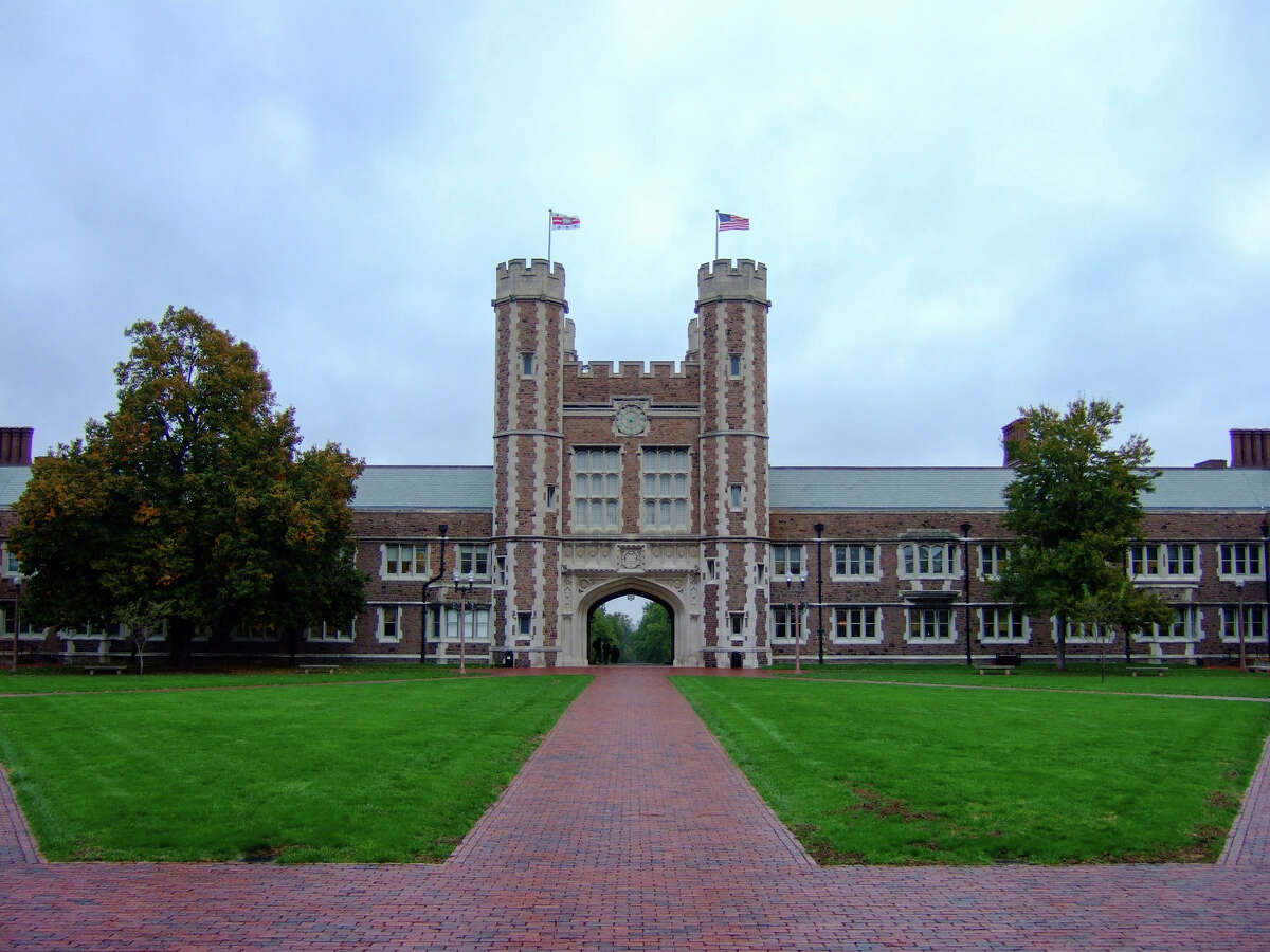 25. Washington University in St. Louis - Saint Louis, Missouri Percentage of male students in fraternities: 25 percent Number of fraternities: 10 Number of fraternities with chapter houses: 9