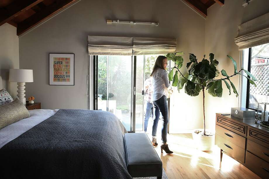 Interior designer Jennifer Jones shows the main bedroom at her S.F. home. Photo: Liz Hafalia, The Chronicle