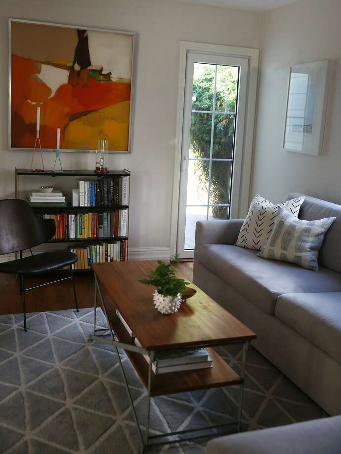 Interior designer Jennifer Jones' living room at her S.F. home. Photo: Liz Hafalia, The Chronicle