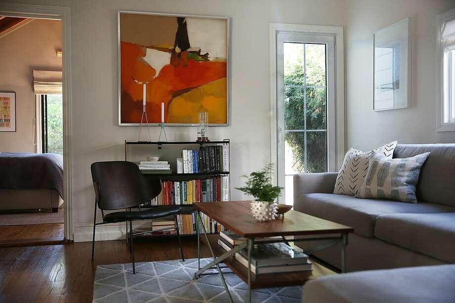 Interior designer Jennifer Jones  living room of her S F  home  Photo  Liz  Hafalia. How new homeowners redid their S F  home  Hint  She s a decorator